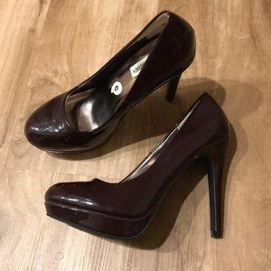 Steve Madden high heels in burgundy pumps